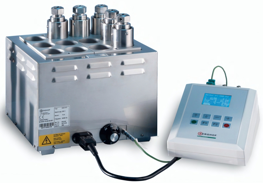 Digestec heater, vessels and controller